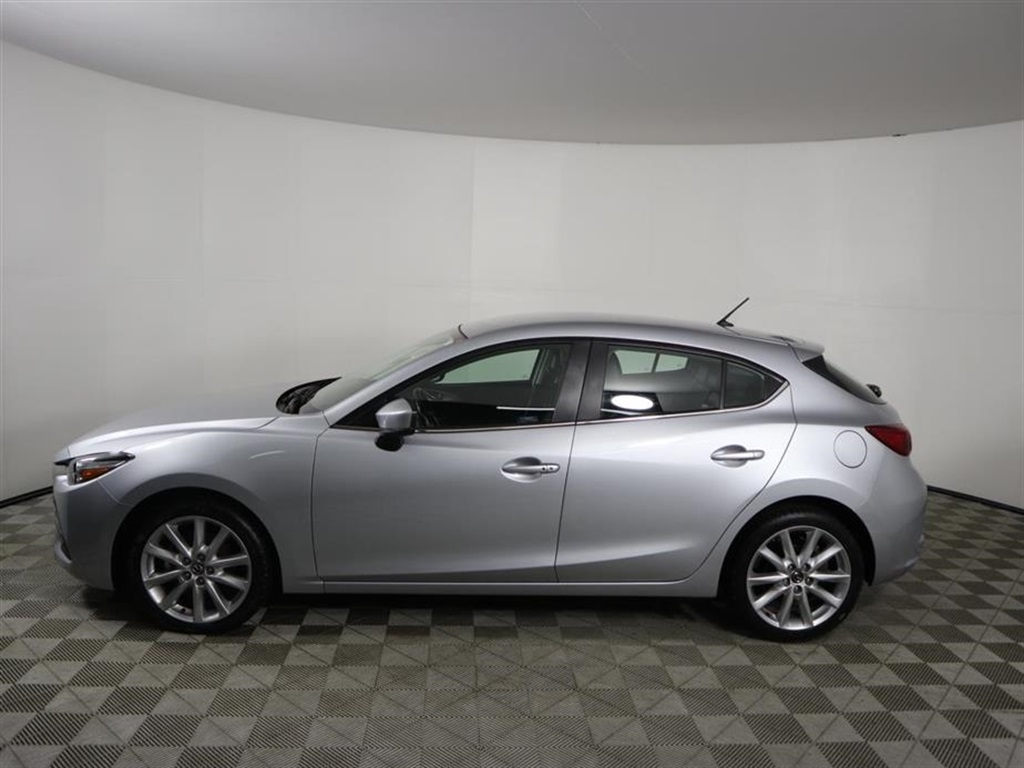 Pre Owned 2017 Mazda3 Touring Base
